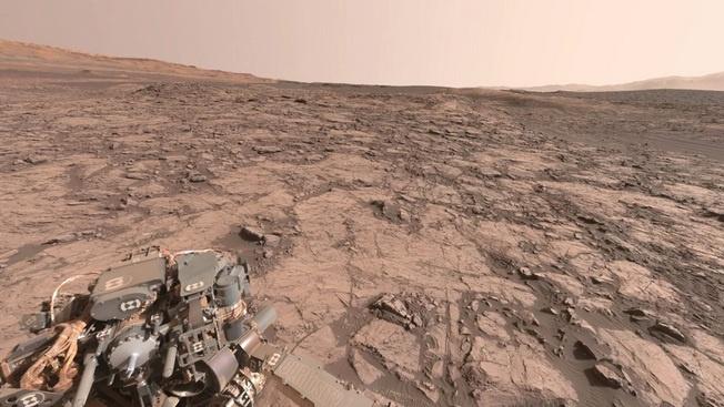 Марсианский пейзаж, снятый с помощью оборудования марсохода Curiosity.