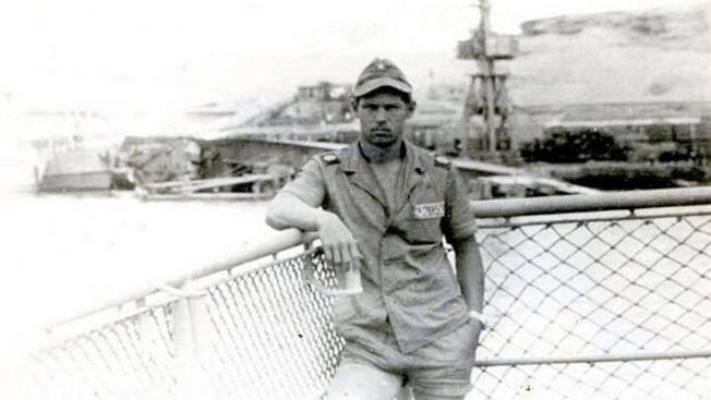 Матрос Сергей Лихошерстов в Анголе.