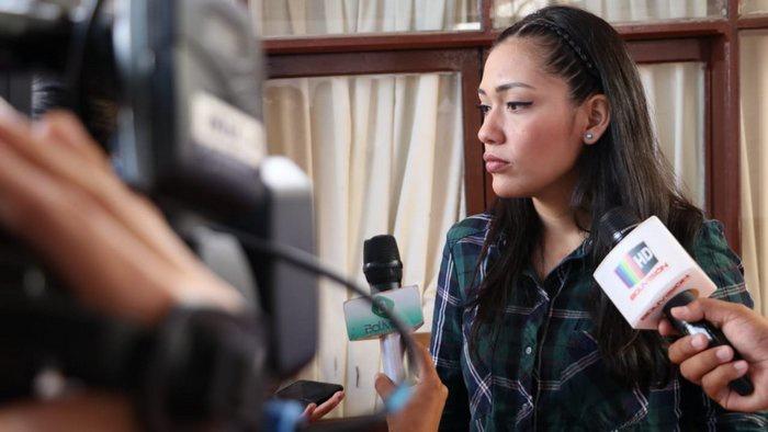 Пост главы Боливии, по закону, должна была занять спикер сената, член партии MAS, Адриана Сальватьерра, однако её даже не пустили в здание парламента.