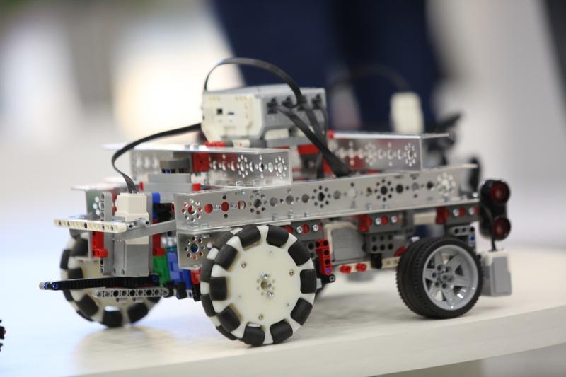Одна из роботизированных моделей.