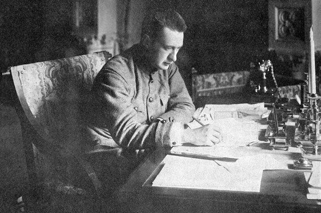 Александр Керенский - «главноуговаривающий» Февральской революции.