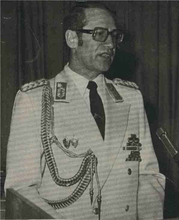 Внедрение агента в шпионский центр Вольф не считал уже окончательной победой, хотя эта операция принесла ему генеральское звание.