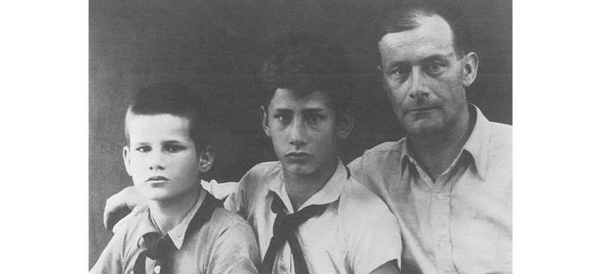 Конрад Вольф, Маркус Вольф и их отец Фридрих Вольф.