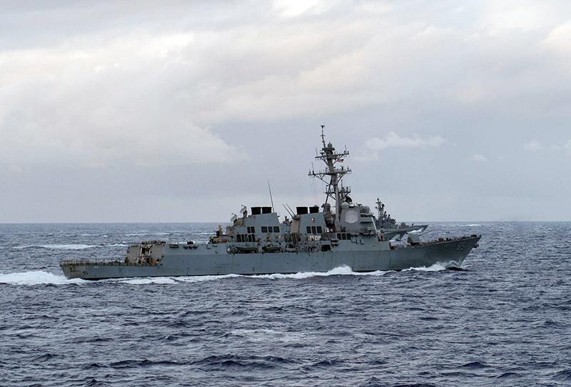 Ракетный эсминец ВМС США «McCampbell» типа «Арли Бёрк».
