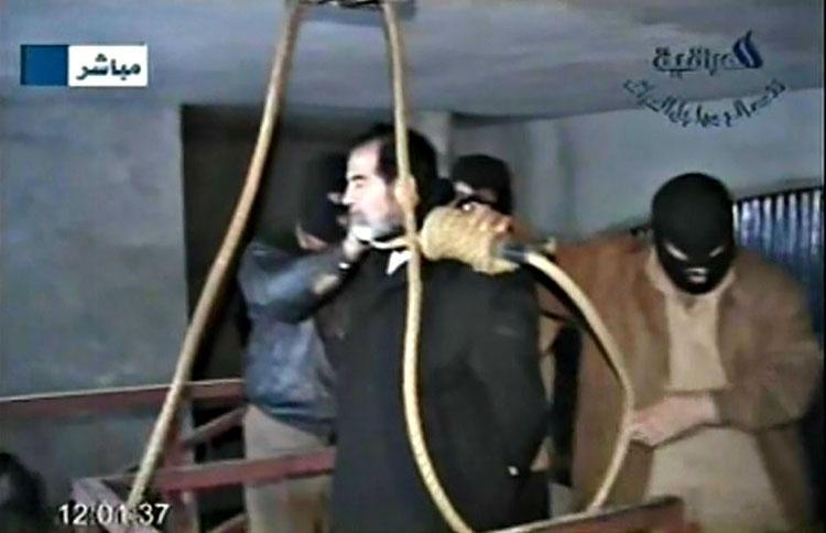 Саддама Хусейна повесили ради «помпы» — чтобы Джордж Буш мог отчитаться за успехи в борьбе с терроризмом.