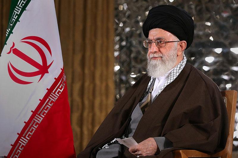 Аятолла Хаменеи: : «Мы обязаны подготовиться к пришествию (Махди). Раз уж мы считаем себя солдатами 12-го имама, то должны быть готовы сражаться... »
