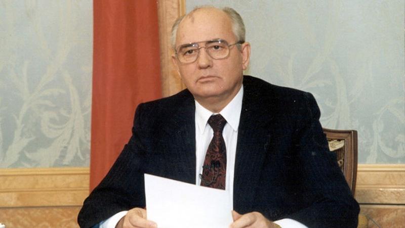 25 декабря 1991 года Михаил Горбачёв сложил с себя полномочия президента СССР. Процесс пошёл.
