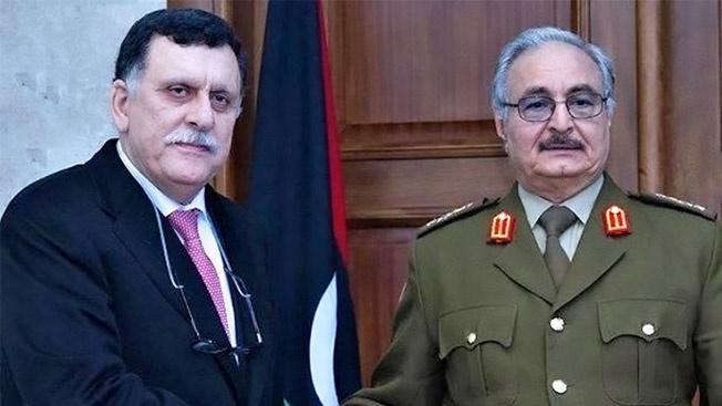 Маршал Халифа Хафтар и премьер-министр Правительства национального согласия (ПНС) Ливии Файез Саррадж.