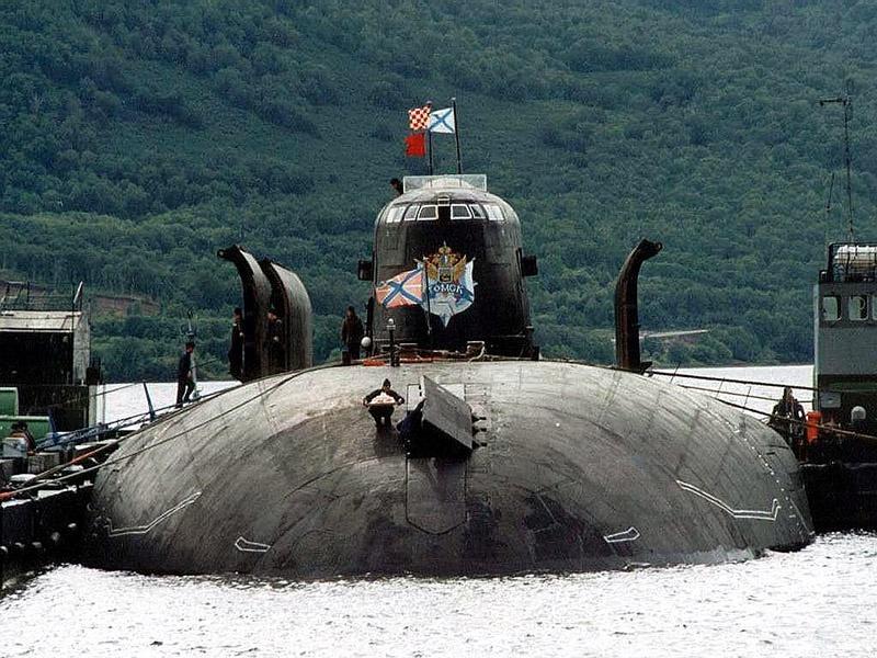 За три прошедших года экипаж АПРКР «Томск» удостоен пяти призов Главкома ВМФ.