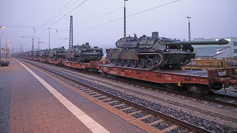Груз в район оперативного назначения переправят, укомплектовав 90 железнодорожных эшелонов.