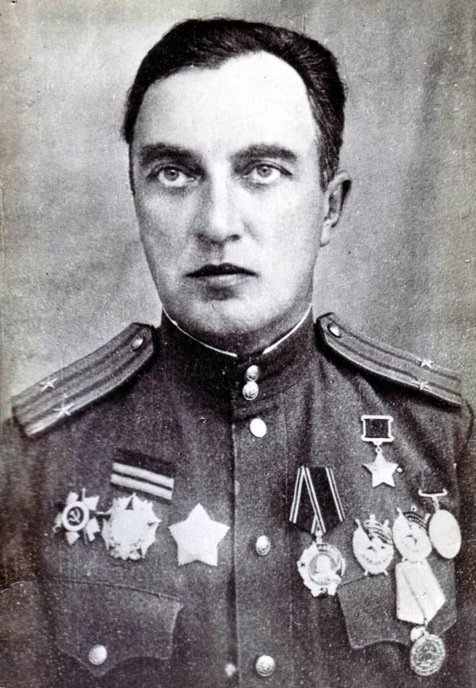 Подполковник Баранов был удостоен звания Героя Советского Союза за штурм Сапун-горы и города-крепости Севастополя.