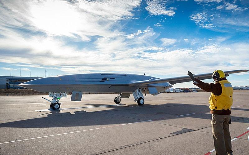 Беспилотник-топливозаправщик MQ-25 Stingray.