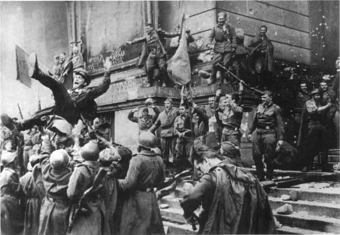 В мае 1945 года Советские Вооружённые силы окончательно сокрушили германский национал-социализм.