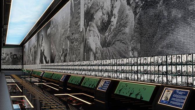 На стенах - фотографии участников войны.