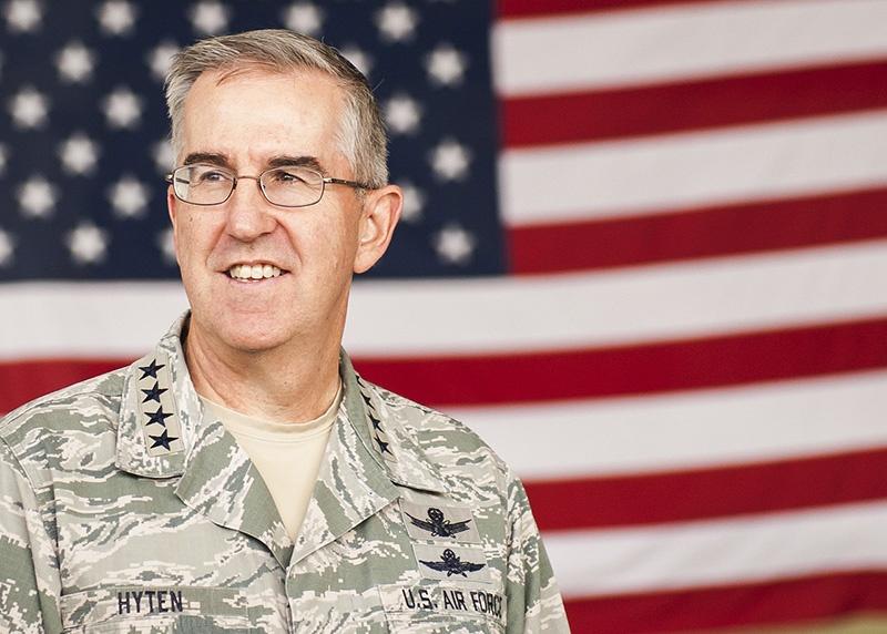 Заместитель председателя Объединённого комитета начальников штабов вооружённых сил США генерал Джон Хайтен грозил России Звёздными войнами.