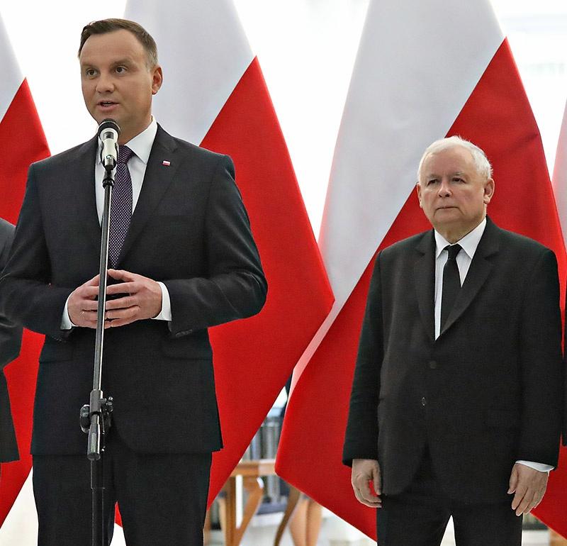Анджей Дуда и Ярослав Качинский выпрашивают выплату компенсаций от Германии и России.
