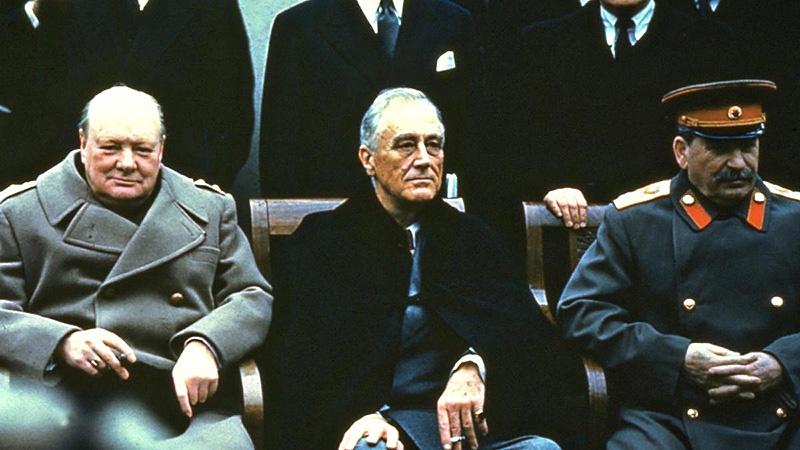 Ялтинская конференция 1945 года. Рузвельт был сторонником тесного сотрудничества с СССР, а Черчиль категорически против.