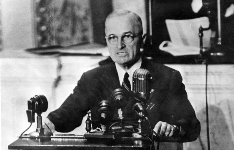 Широко известно неоднозначное высказывание будущего президента США Гарри Трумэна в New York Times 24.06.1941 года, на третий день Великой Отечественной войны.