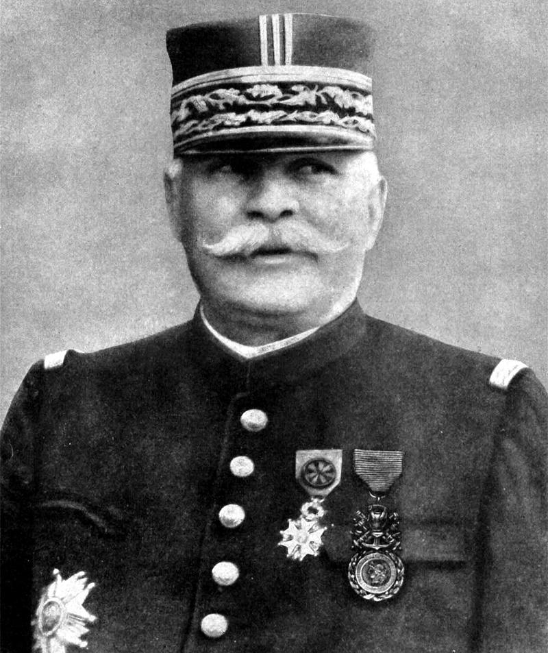 В своих мемуарах «Дань русской Армии» маршал Жозеф Жоффр поблагодарил Россию в весьма велеречивых выражениях.