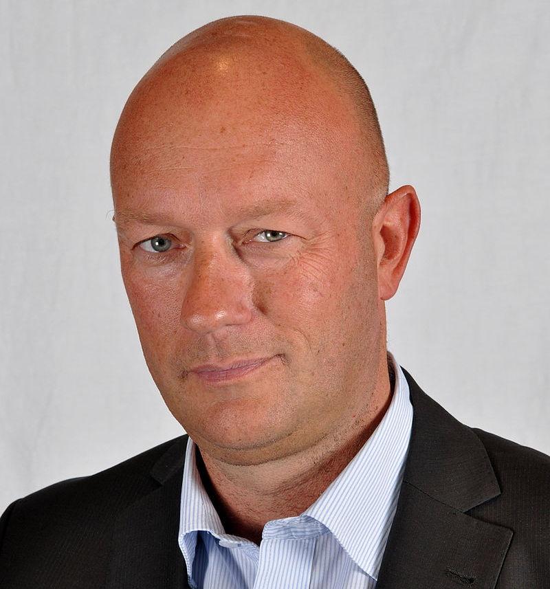 Представителю СвДП Томасу Кеммериху за один день пребывания в должности положен «золотой парашют» в 93.005,07 евро.
