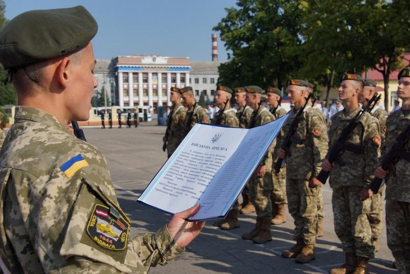 Теперь призывать в армию будут с 18 лет.