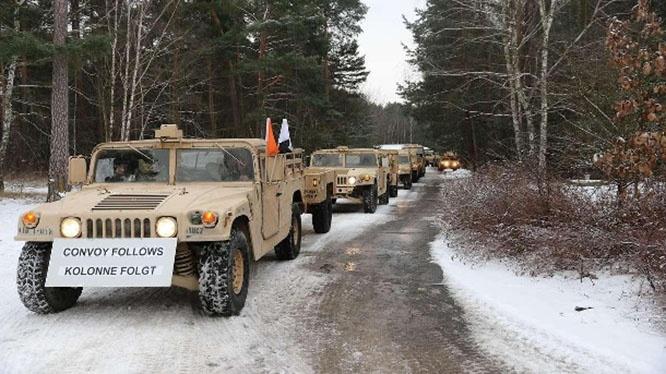 Американские войска на полигоне Лехнин (ФРГ): он снова будет местом отдыха при переброске в Польшу и Прибалтику.