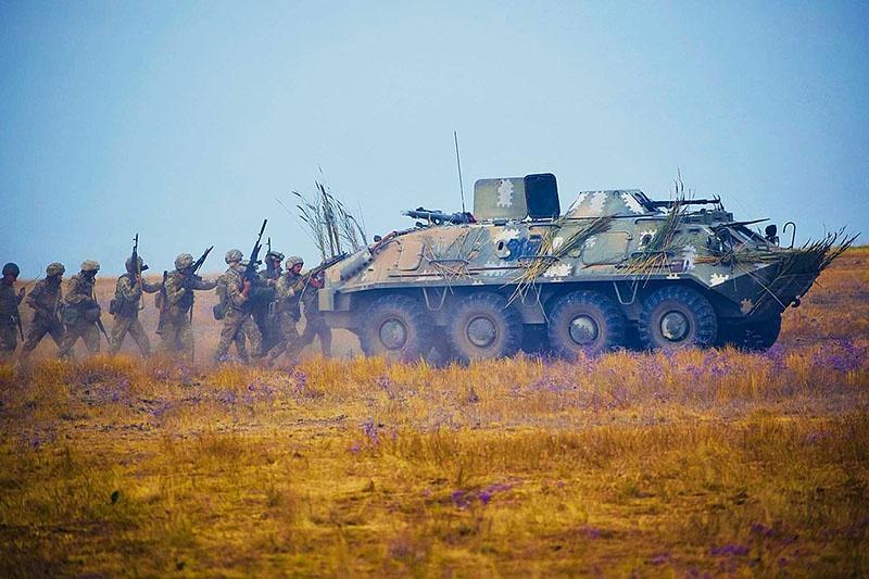 Украина находится на низком старте антироссийской войны и готовит крупную провокацию против Крыма.