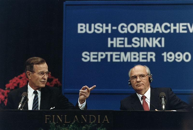 Президент США Джордж Буш-старший не допускал и возможности распада Советского Союза.