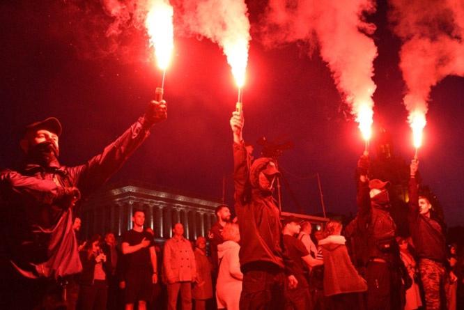 О чём не подозревают сами украинские нацисты - это то, что целью западных идеологов является уничтожение, в том числе и населения самой Незалежной.