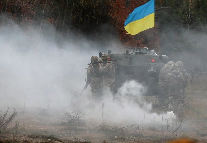 Бросив украинцев в горнило братоубийственной войны с Донбассом, а в дальнейшем и с Россией, западный блок так или иначе зачистит для своих нужд земли этой страны от местного населения.
