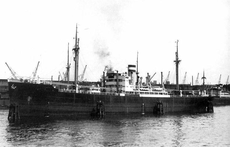 Корабль «Палатия» на котором перевозили пленных.
