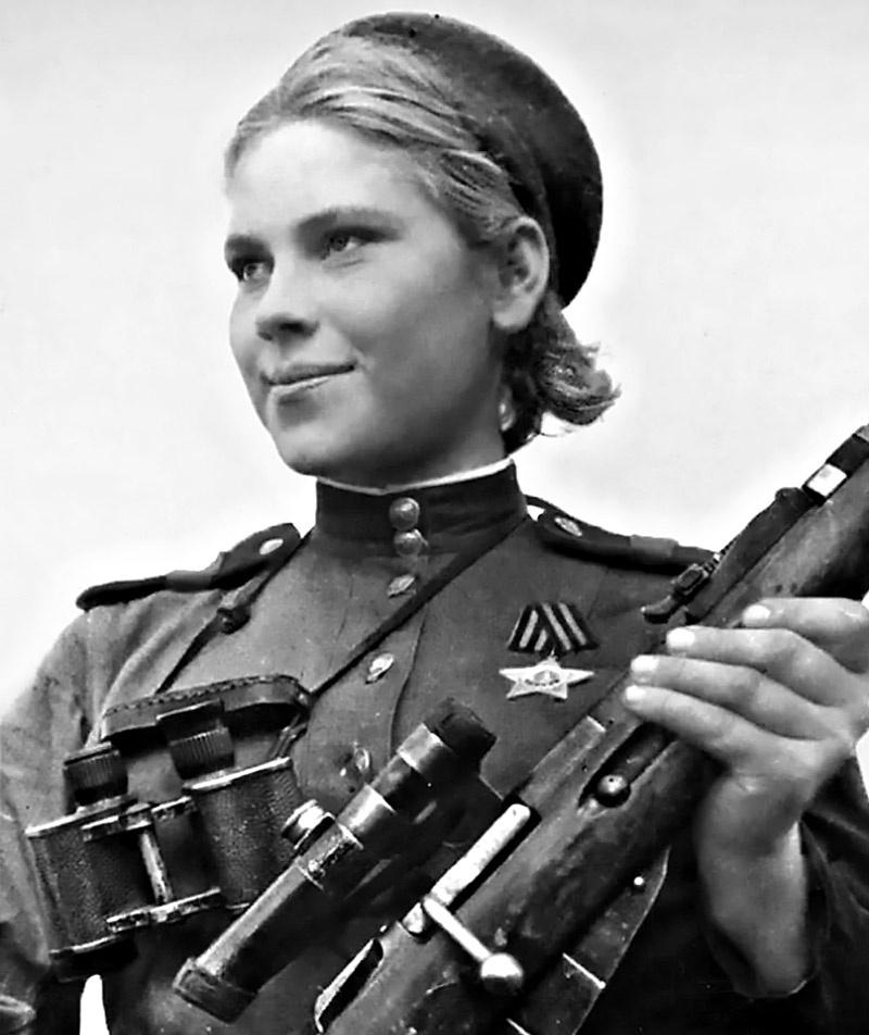 Американские газетчики подписали снимок русской девушки-снайпера так - «Невидимый ужас Восточной Пруссии».