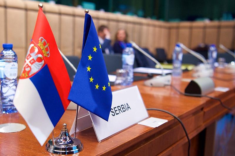 В Сербии 38% граждан считают, что их стране не следует вступать в ЕС.
