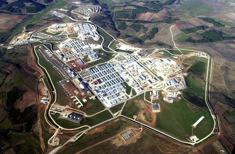 В Косово обосновалась самая крупная на Балканах военная база США Кэмп-Бондстил.