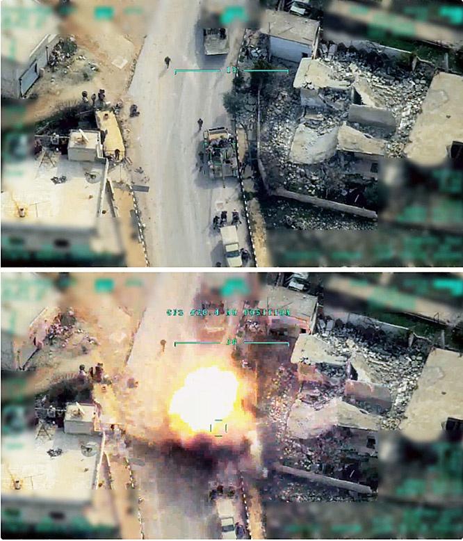 Турецкие беспилотники наносят удары по сирийским колоннам.