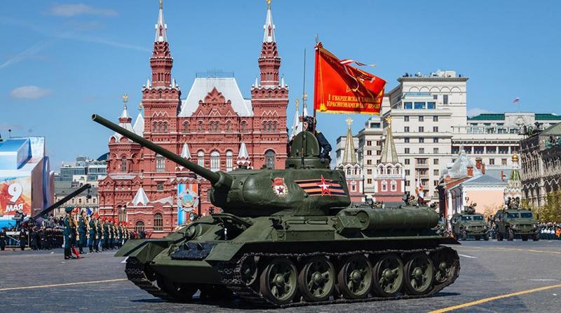Легендарный Т-34 на Красной площади.