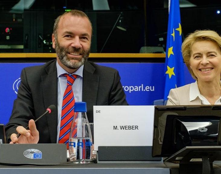 Глава фракции христианско-демократических партий в Европарламенте Манфред Вебер считает правомерным и необходимым применение силы греческими силовиками.