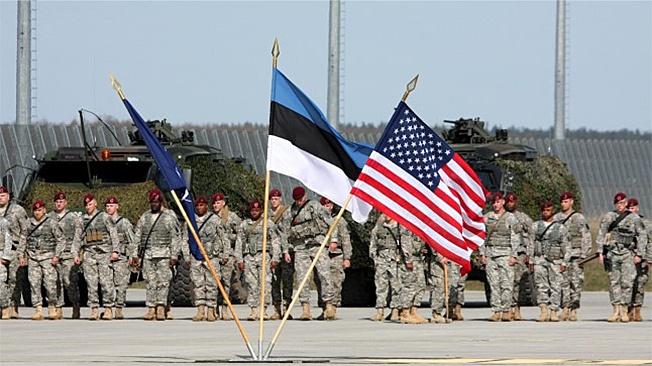 НАТО, США и Эстония в одном строю.