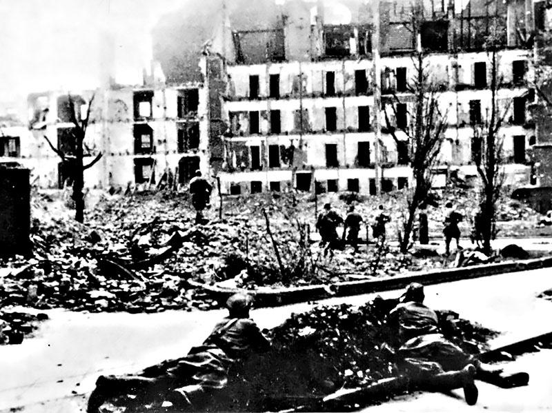 Во время боя в Берлине.
