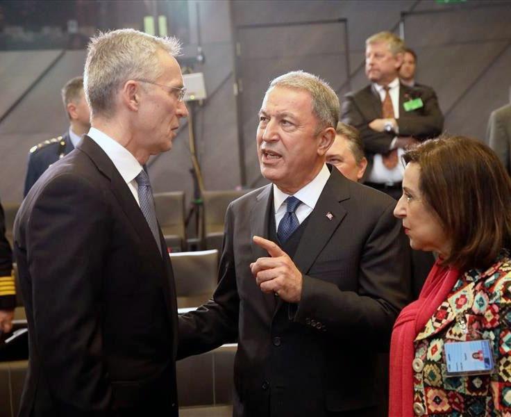 Хулуси Акар пользуется большим авторитетом в НАТО.