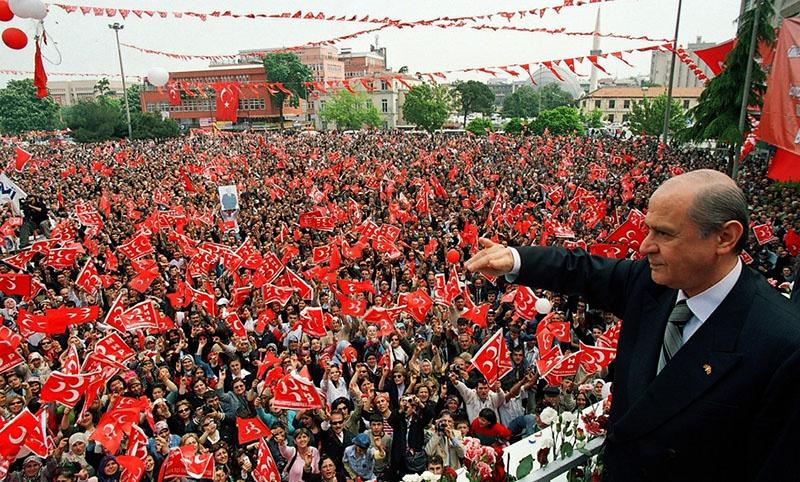 Единственными союзниками партии Эрдогана пока ещё являются ультраправые сторонники Девлета Бахчели и его Партии националистического движения.