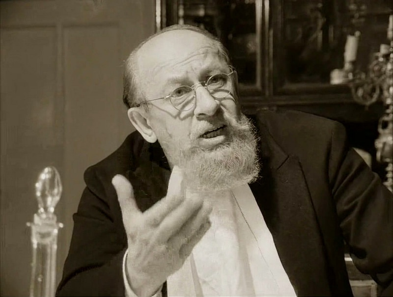 «Разруха не в клозетах, а в головах», - говорит Михаил Булгаков устами своего замечательного профессора Преображенского.