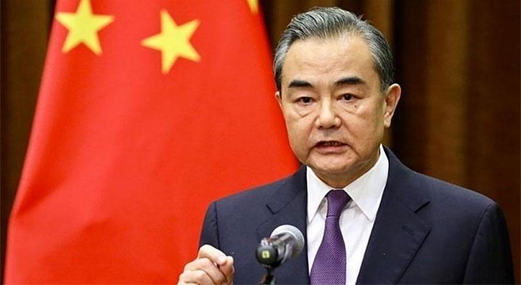 Министр иностранных дел КНР Ван И заявил, что Китай предоставит Риму гуманитарную помощь.