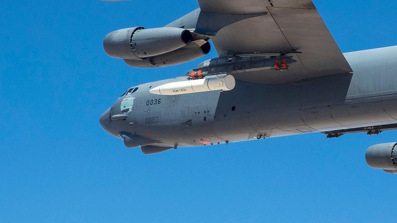Испытательный полёт бомбардировщика B-52H с гиперзвуковой баллистической ракетой воздушного базирования Lockheed Martin AGM-183A ARRW.