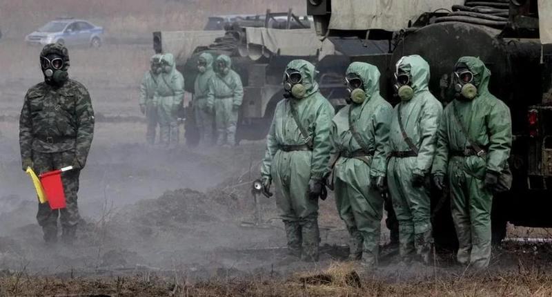 Подразделения радиационной, химической и биологической защиты проводят учения по противодействию массовым вирусным атакам.