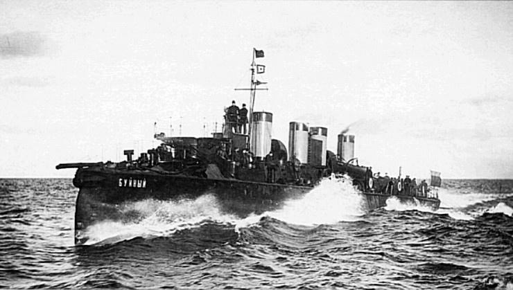 Миноносец российского императорского флота «Буйный» - участник трансокеанского перехода и сражения при Цусиме.
