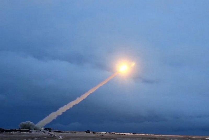 Испытание крылатой ракеты неограниченного радиуса действия «Буревестник».