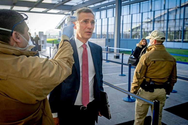 Генсека НАТО Йенса Столтенберга не мешает проверить, а не болен ли он?