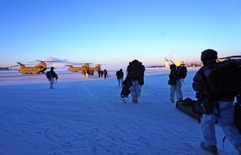 На учения во льдах самого северного штата США - Аляски - было привлечено сразу полторы тысячи «зелёных беретов».