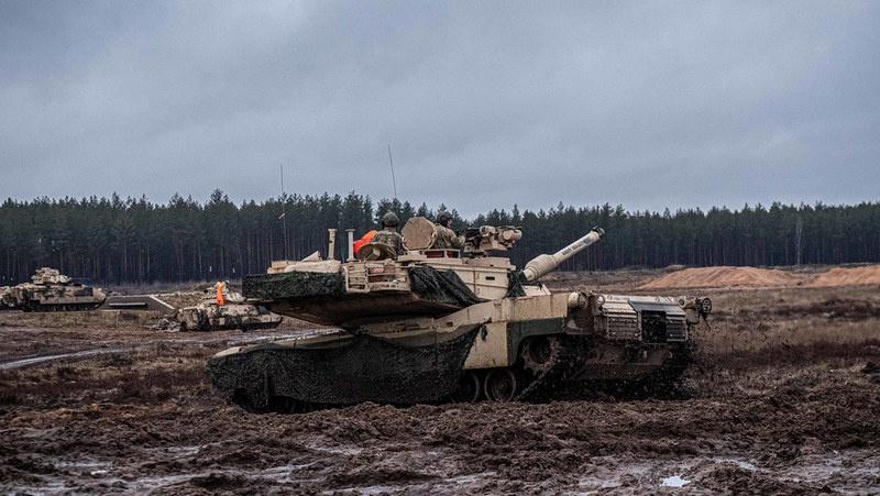 Американские «Абрамсы» уже в Литве - недалеко от Беловежской пущи.
